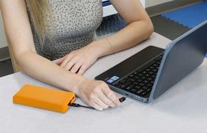 CSE-Active Power Bank Charging Laptop